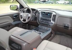 Extérieur et intérieur de la Chevrolet Silverado 1500 1LT