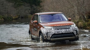 FÉVRIER : Land Rover Discovery
